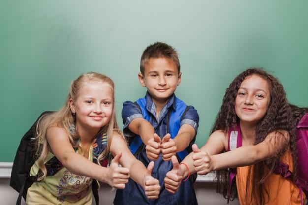 Λαμβάνοντας υπόψη τους παράγοντες που καθορίζουν τον βαθμό επιτυχίας κάθε μαθητή ή μαθήτριας. .